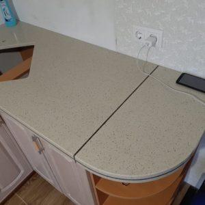 Фото столешницы из кварцевого агломерата Caesarstone 9601 Nimbus